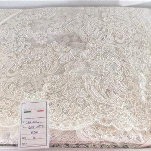 Copriletto da sposa Chanel in pizzo