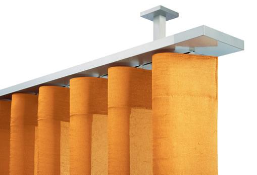 Binario stralys Mottura con mensole decorative a soffitto