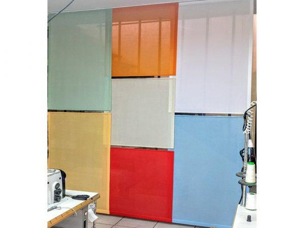 pannelli colorati in lavorazione