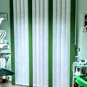 tenda bicolore bianca e verde
