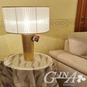 Lampada in foglia oro con paralume in organza